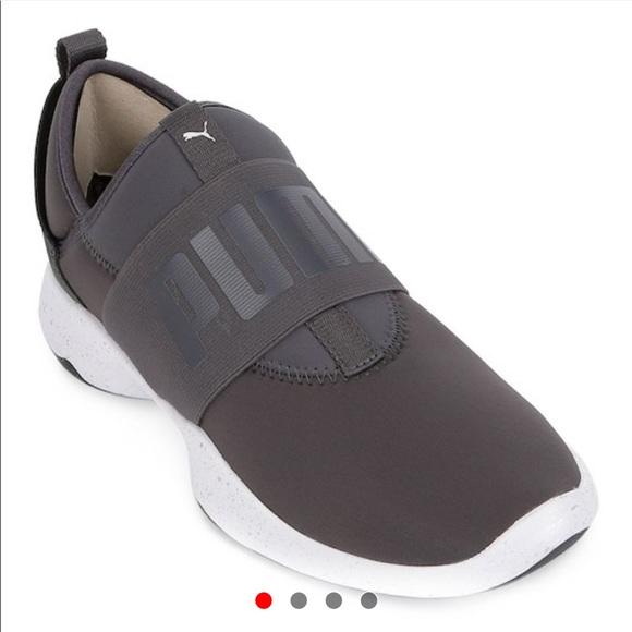 8cb8da73f ... Dare Women s Slip -On Sneakers. M 5bda27001b3294ac00e76235